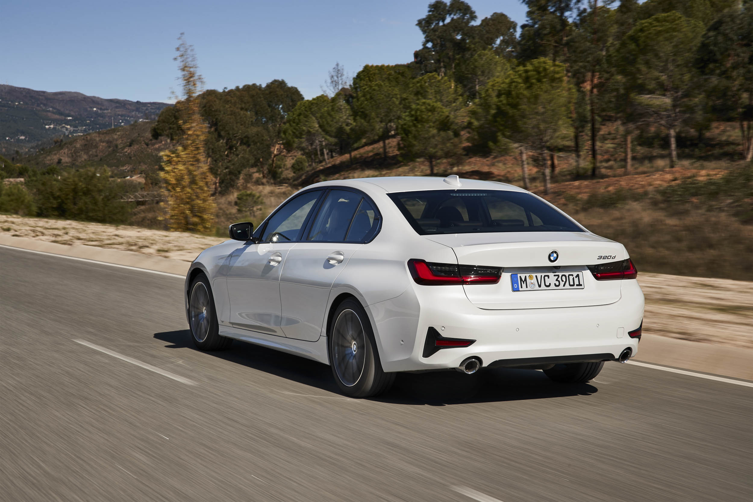 2019 BMW 320d Sport Line rear 3/4