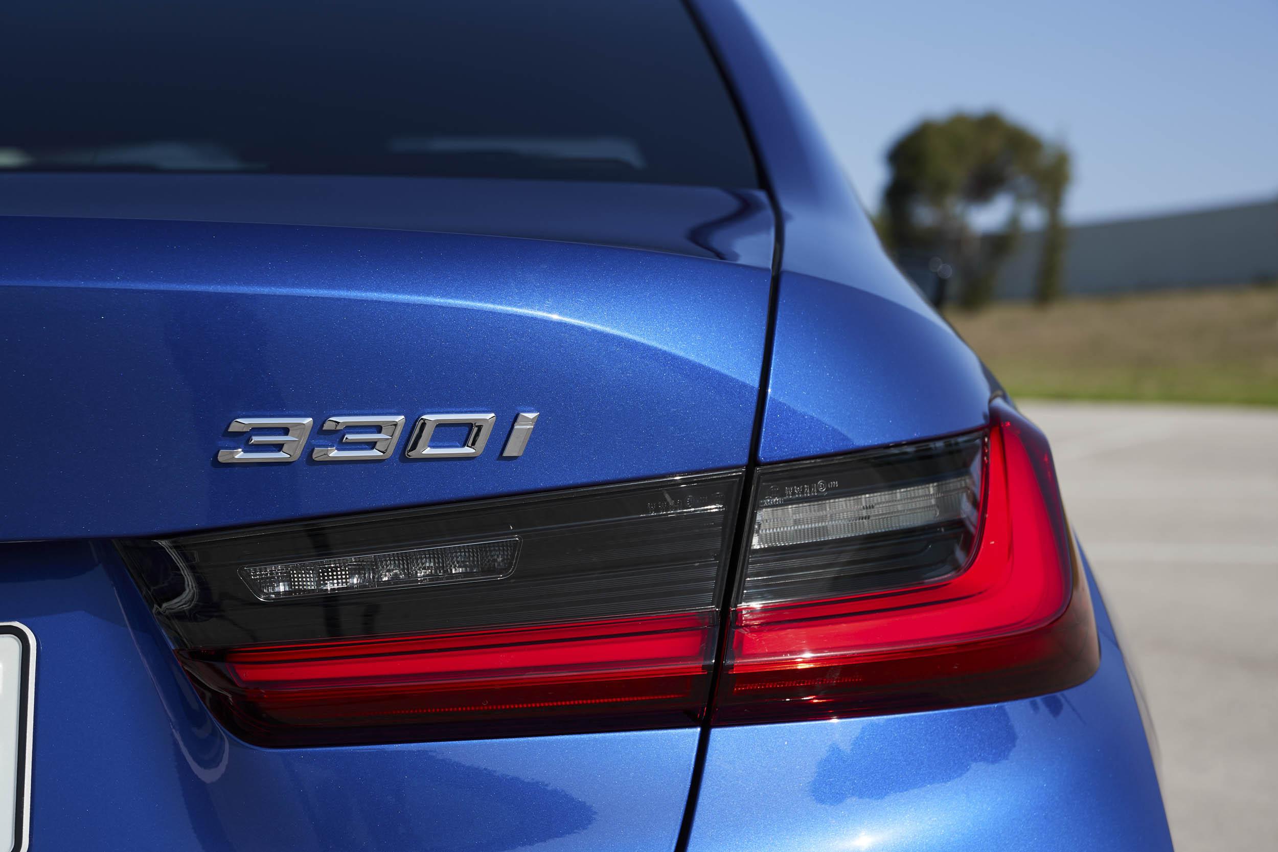 2019 BMW 330i M Sport badge