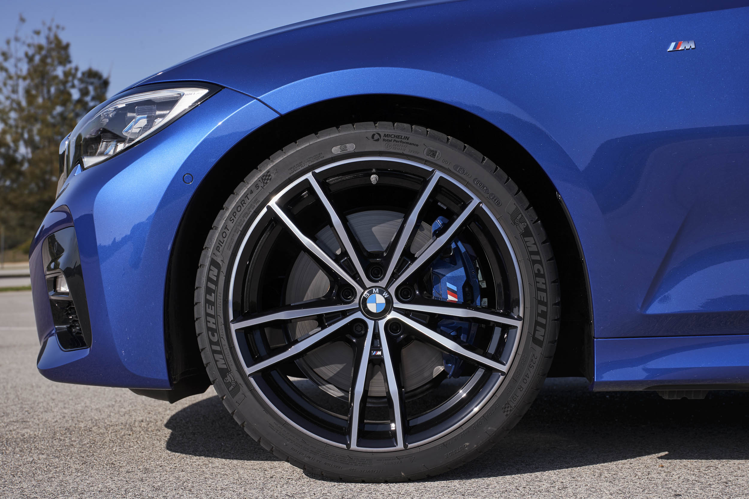 2019 BMW 330i M Sport wheel detail
