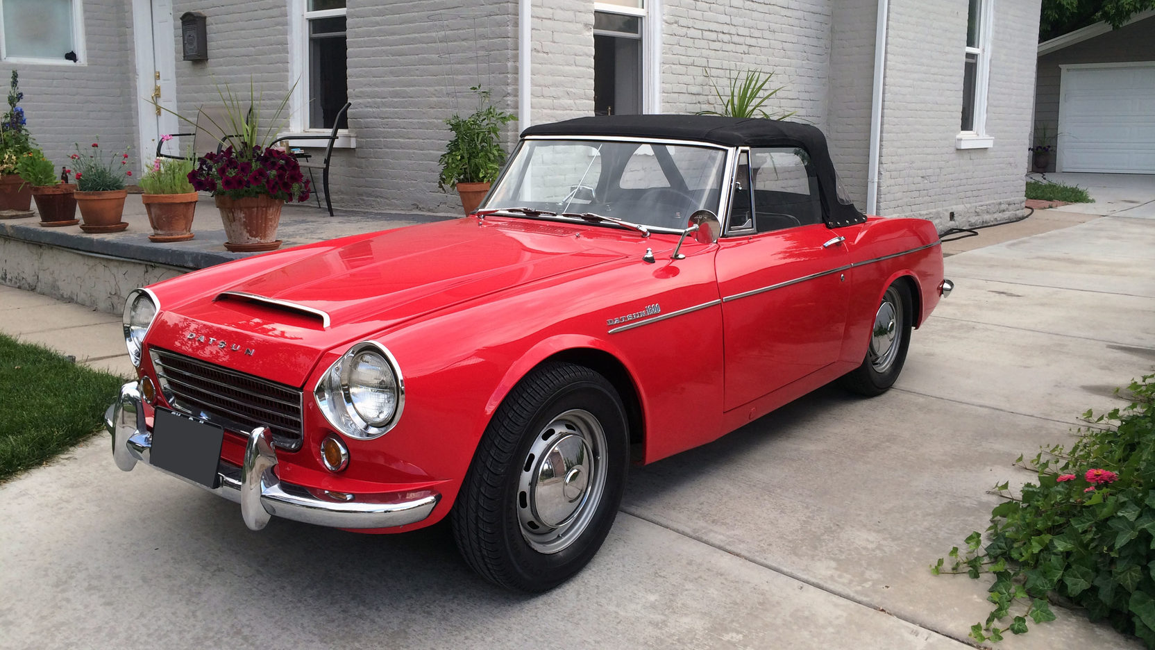 1966 Datsun 1600 roadster 3/4 front
