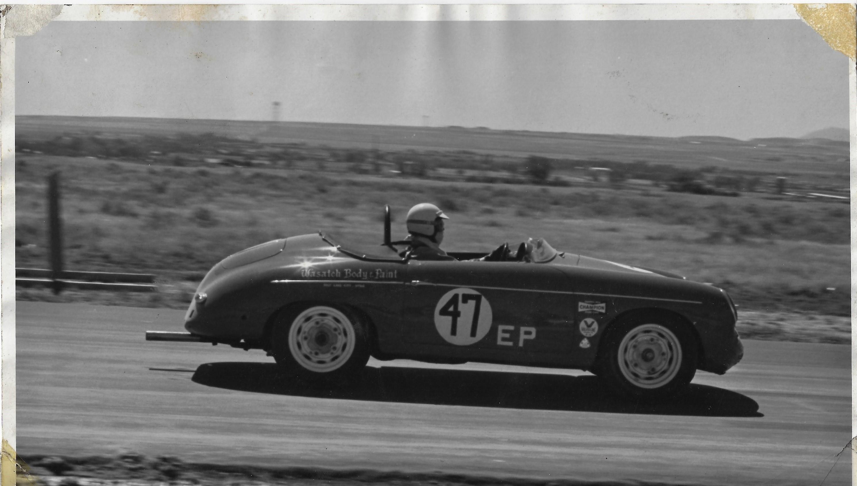 Larry racing in 1971, Phoenix PAR raceway.