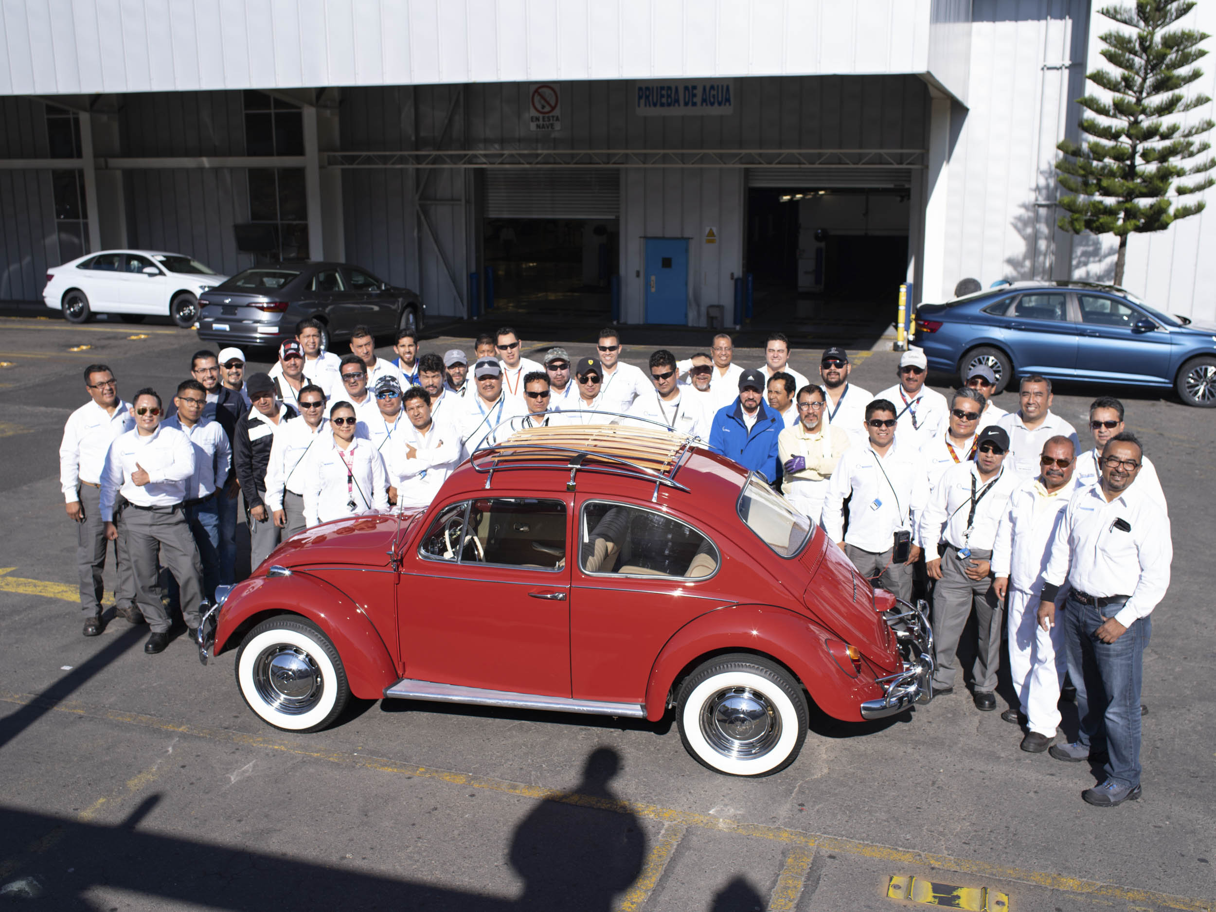 1967 Volkswagen Beetle restoration team