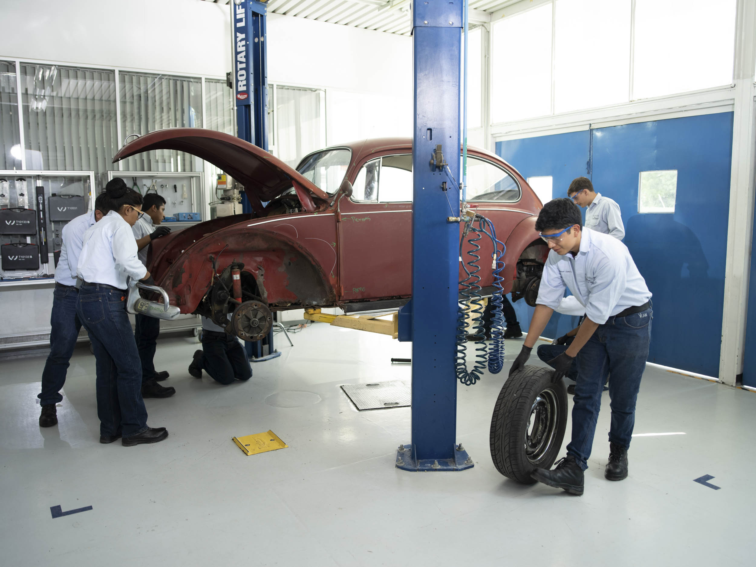 1967 Volkswagen Beetle car disassembly