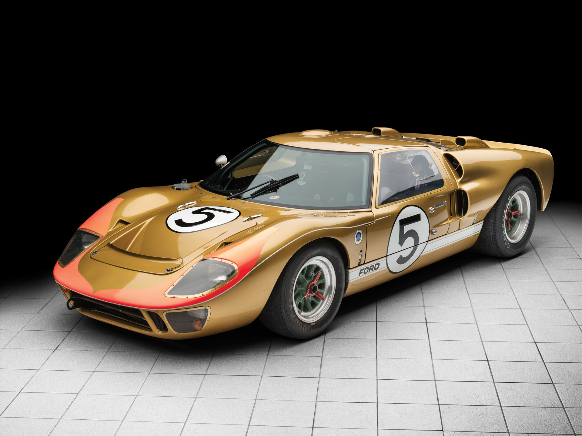 1966 Ford GT40 gold 3/4 front moody