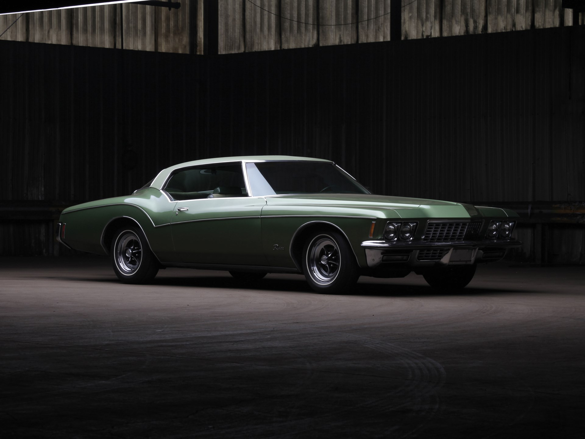 1972 Buick Riviera 3/4 front moody