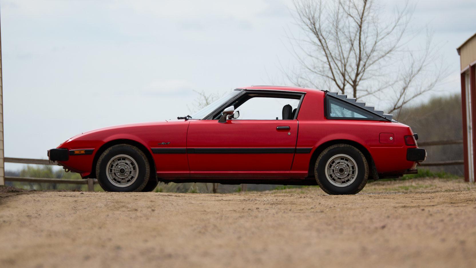 1979 Mazda RX-7 side profile