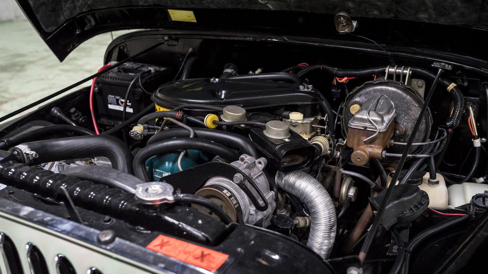 1981 Jeep CJ-7 engine