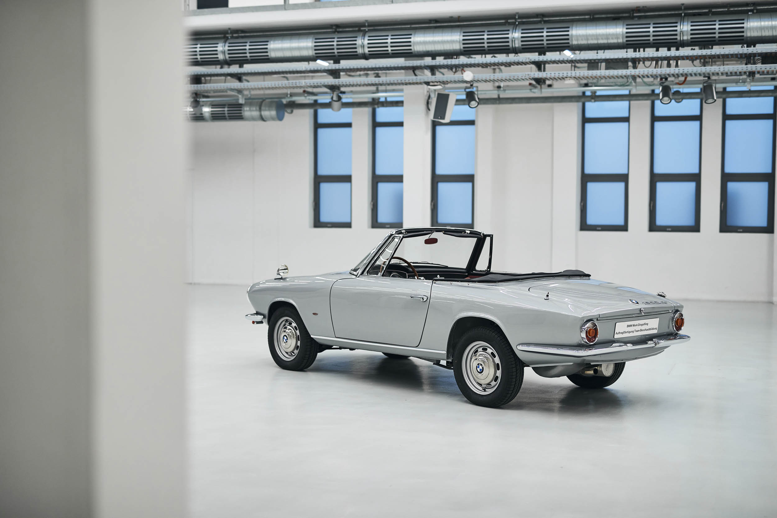 BMW 1600 GT convertible rear 3/4