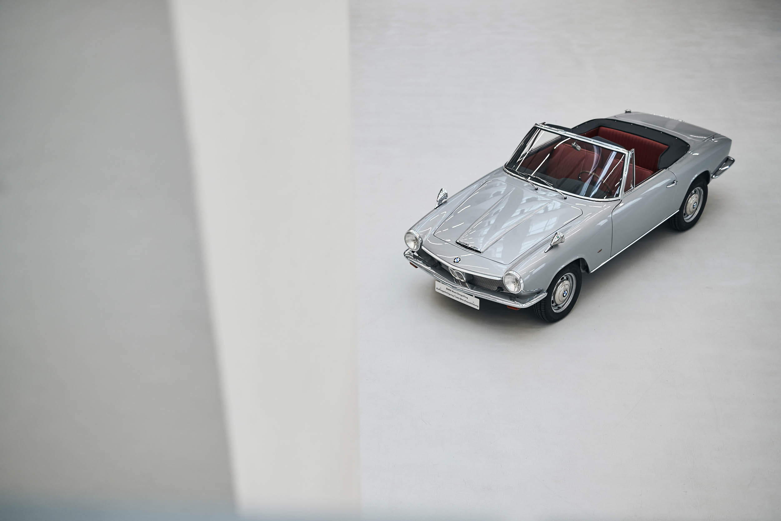 BMW 1600 GT convertible front 3/4 overhead