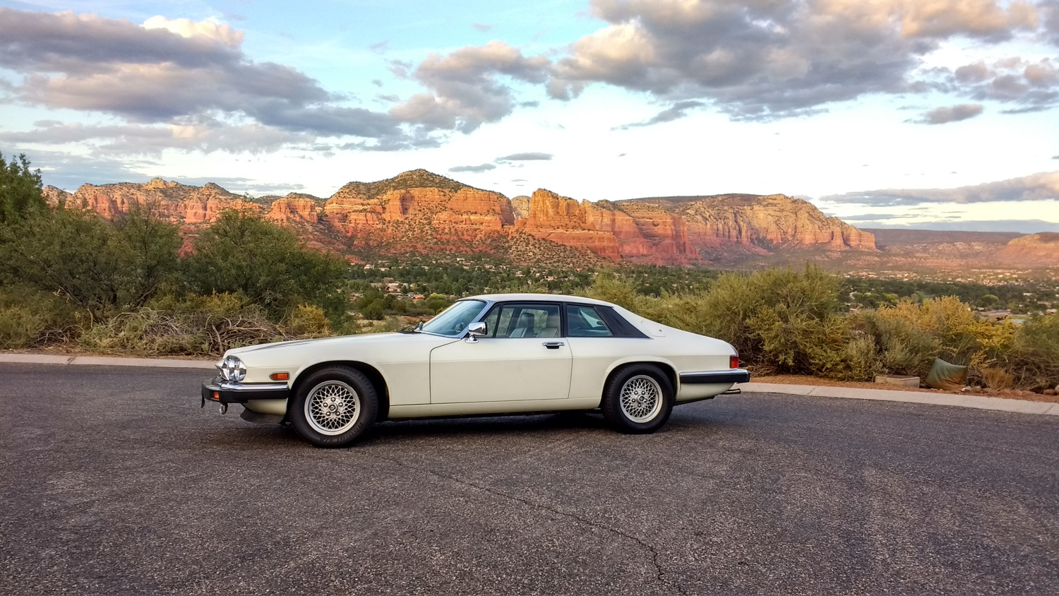 1990 Jaguar XJ-S mountains