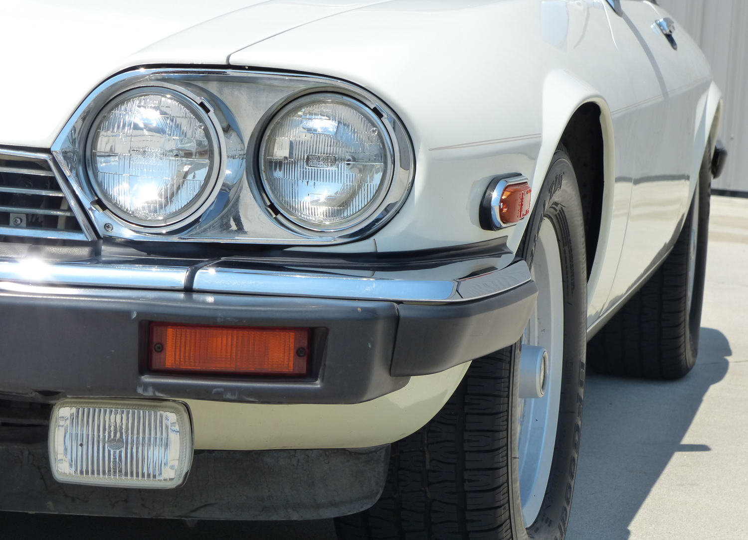 1990 Jaguar XJ-S headlight details