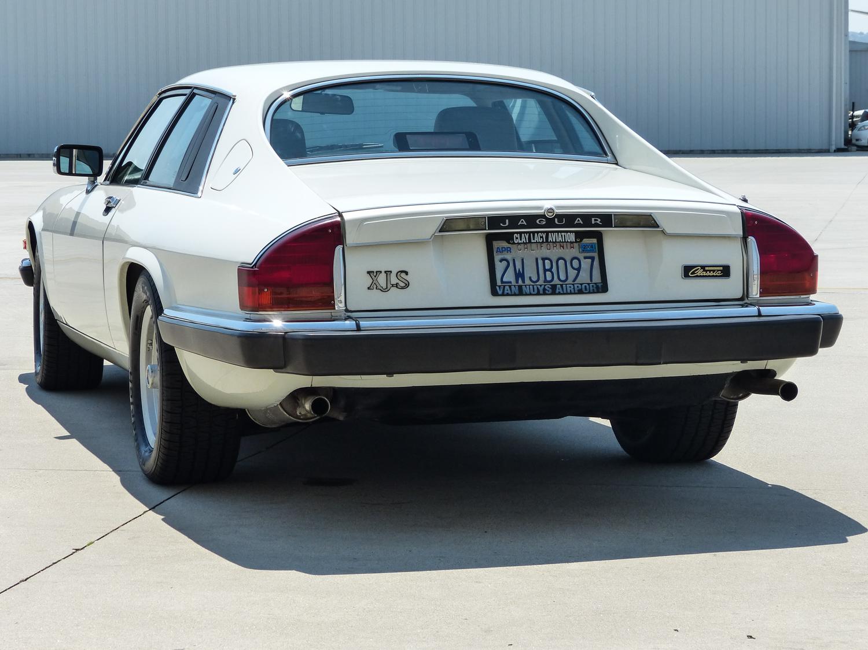 1990 Jaguar XJ-S rear view