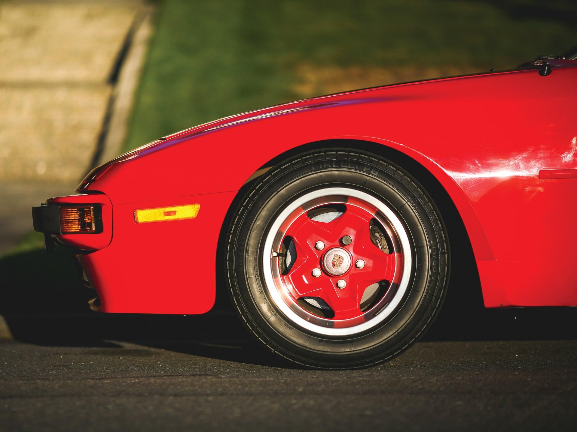 1984 Porsche 944 wheel detail