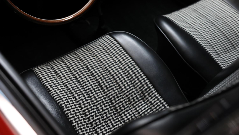 Porsche 901 seat