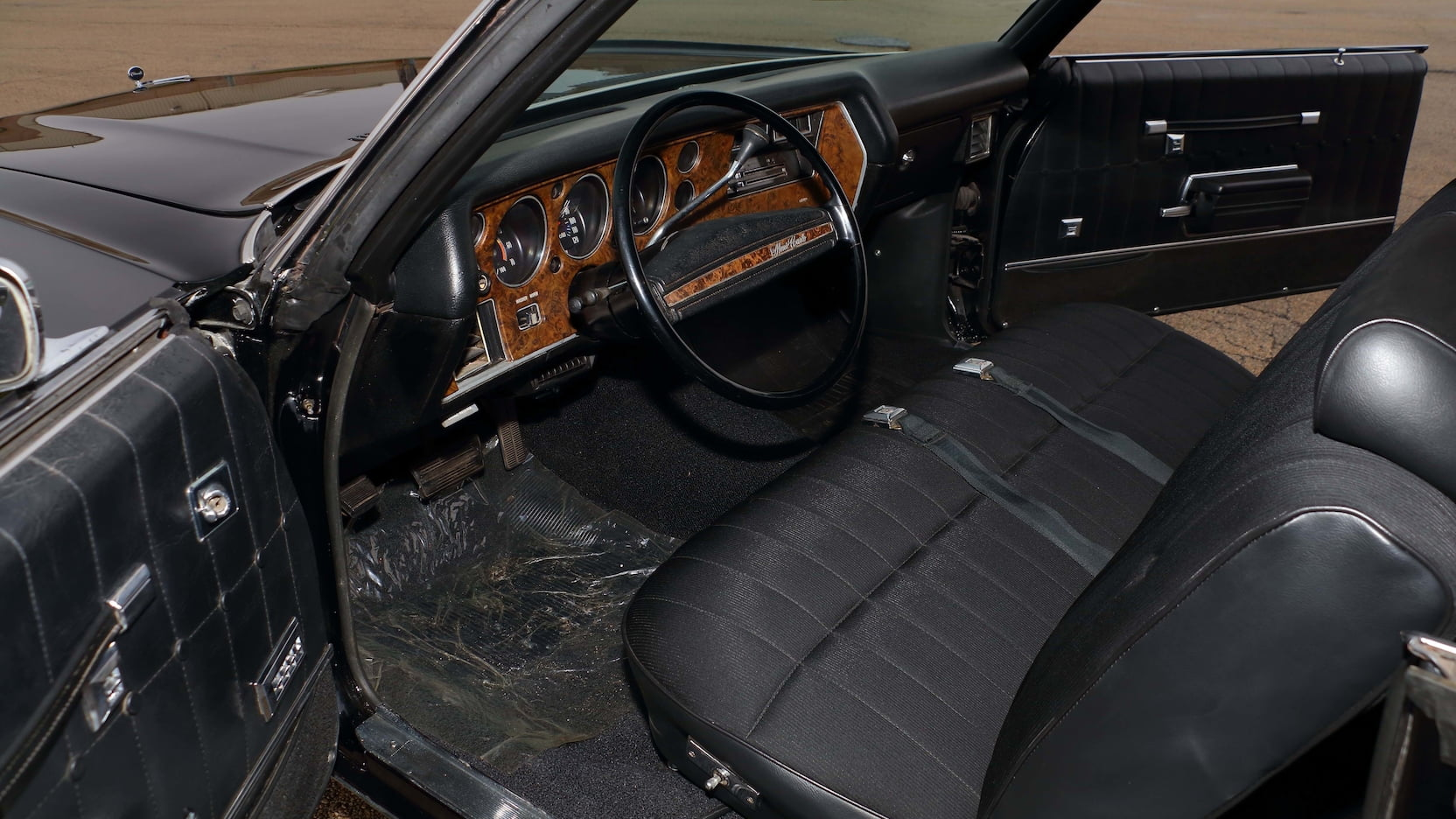 1971 Chevrolet Monte Carlo SS interior