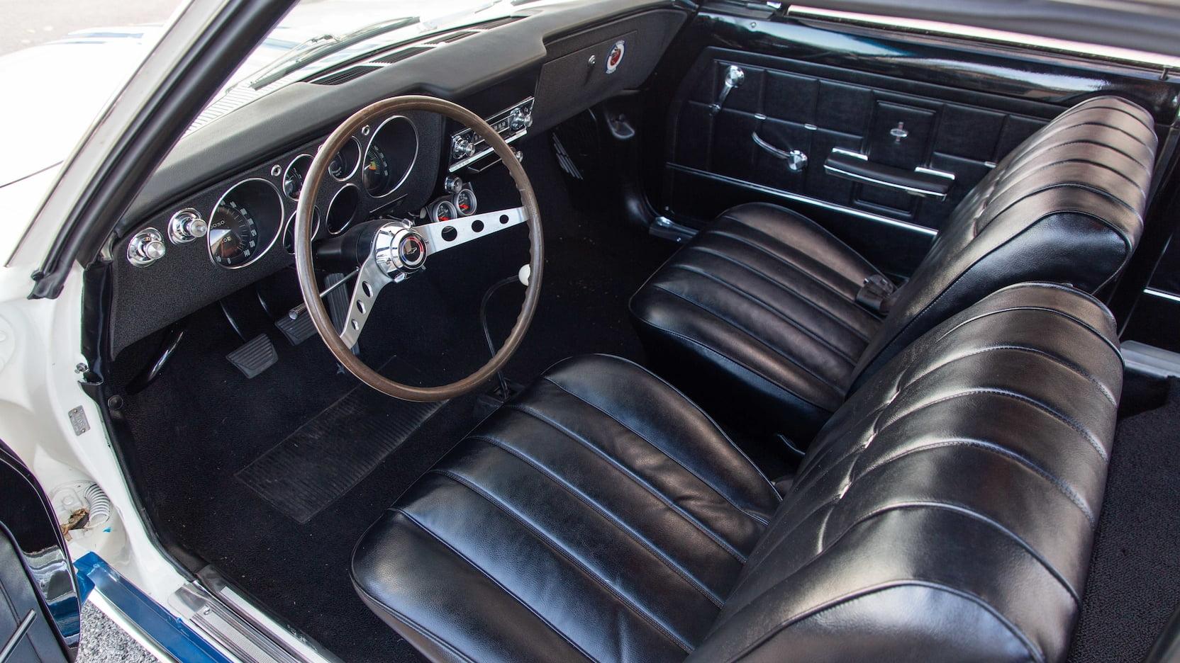 1966 Chevrolet Yenko Stinger interior