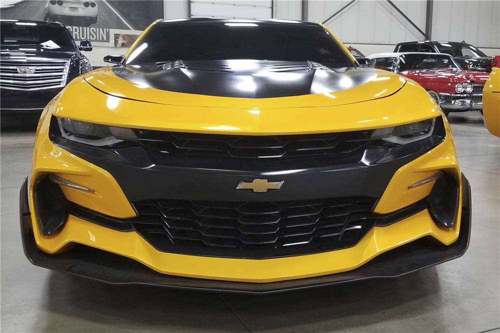 "2016 Chevrolet Camaro ""Transformers: The Last Knight"" front"