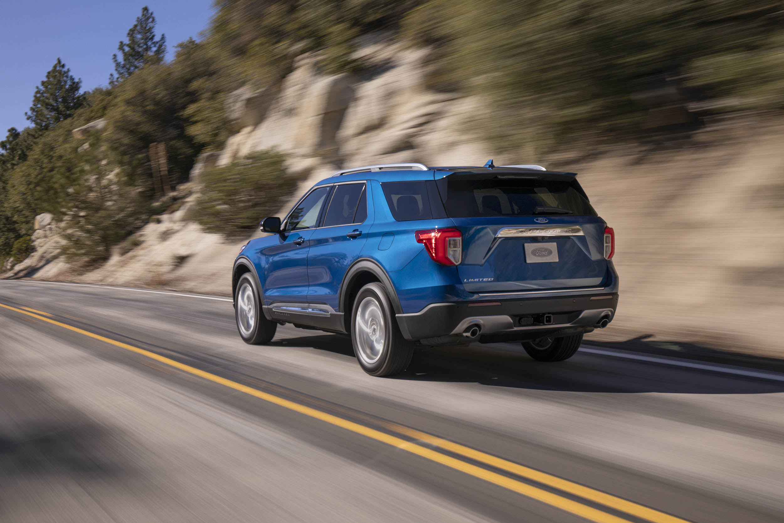 2020 Ford Explorer Limited rear 3/4