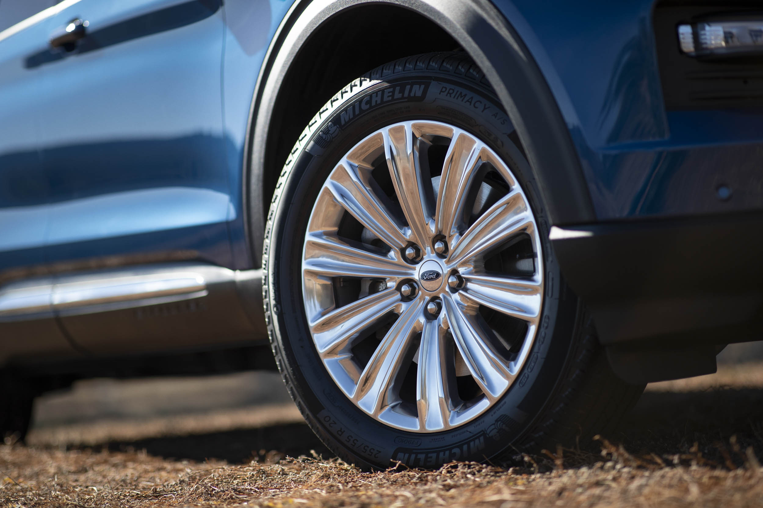 2020 Ford Explorer Limited wheel detail