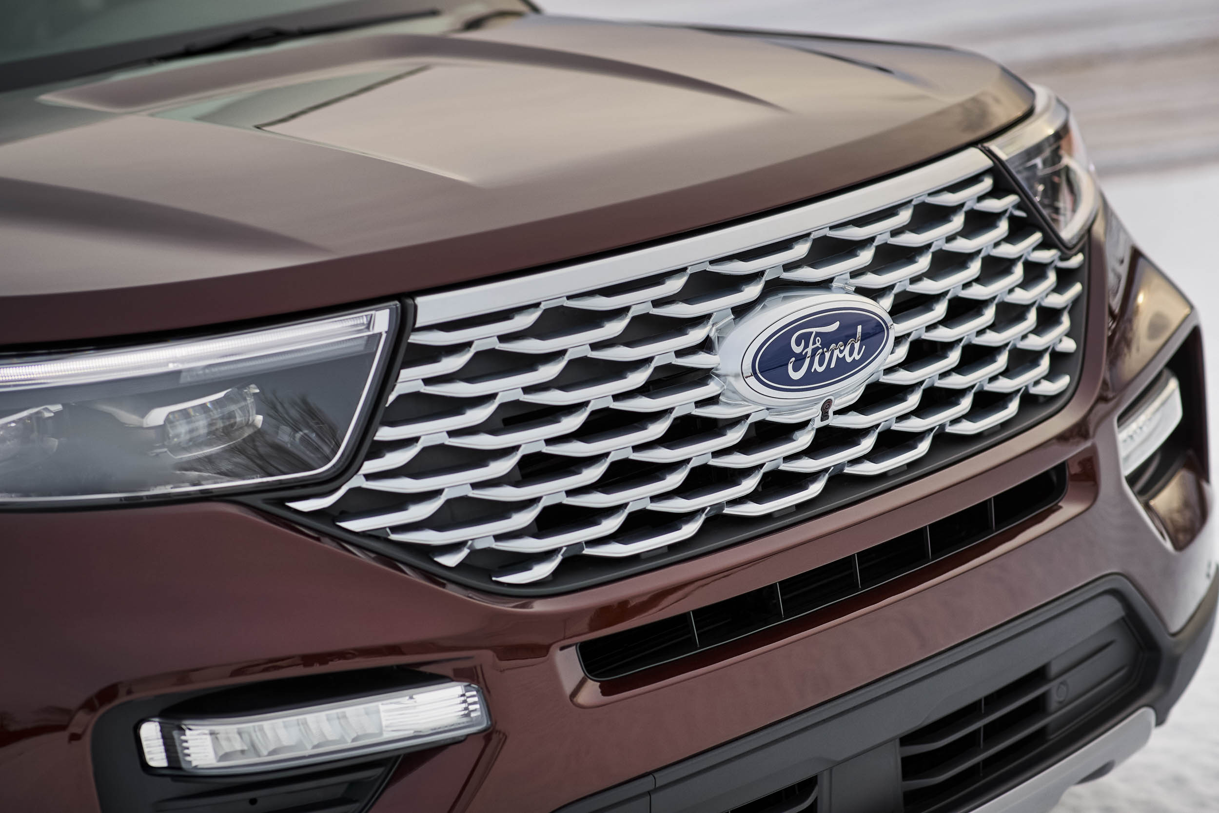 2020 Ford Explorer Platinum nose