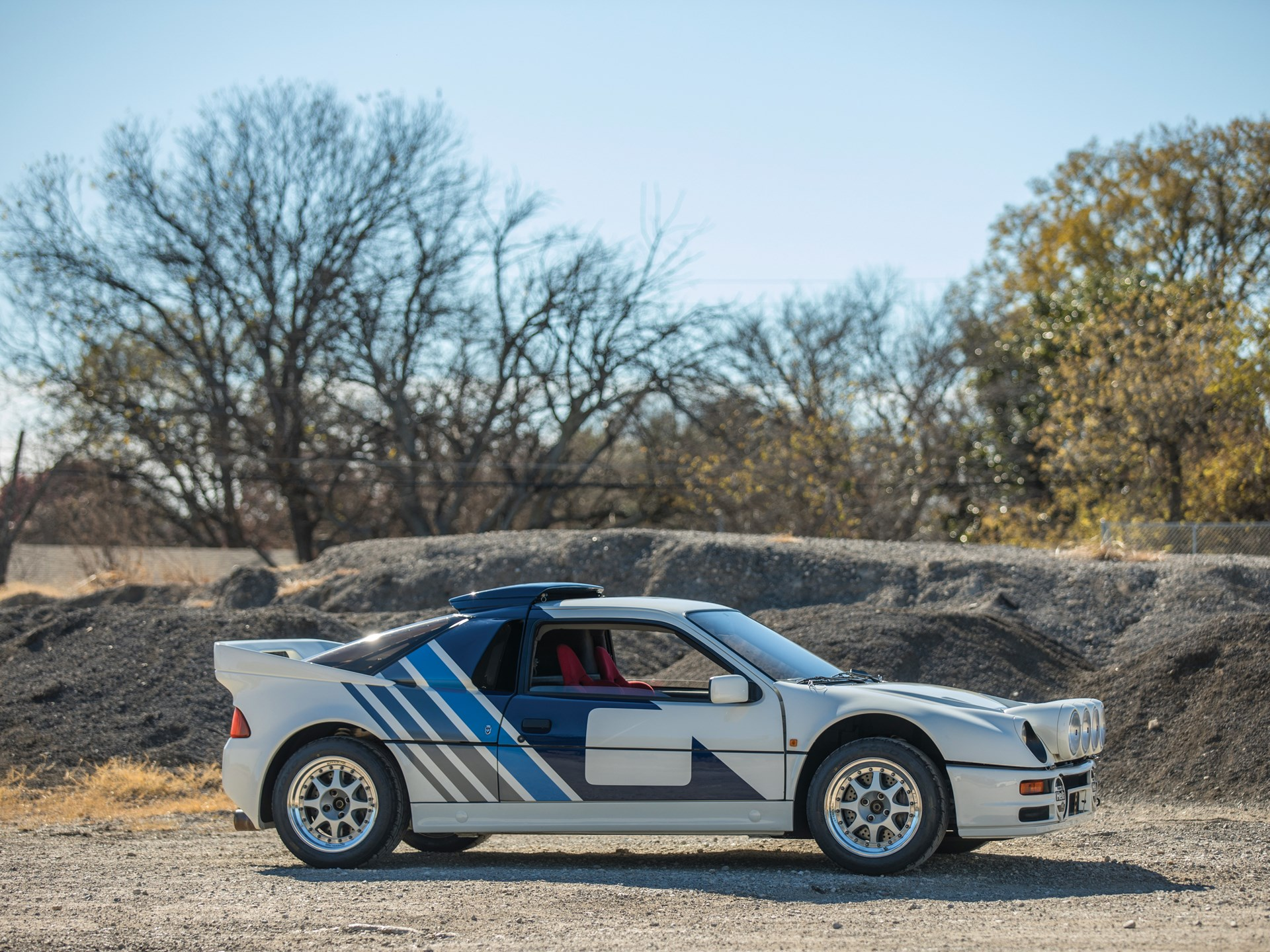 1986 Ford RS200 Evolution side view gravel