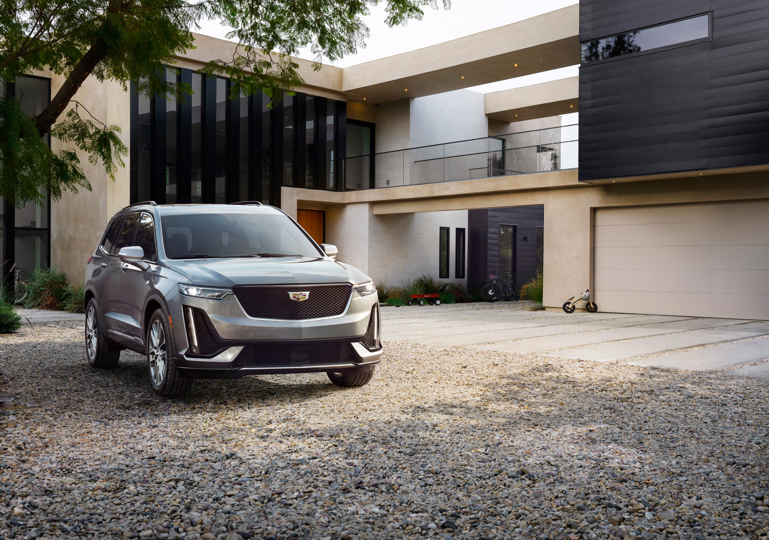 The 2020 Cadillac XT6 fills a gaping hole in luxury brand's lineup thumbnail