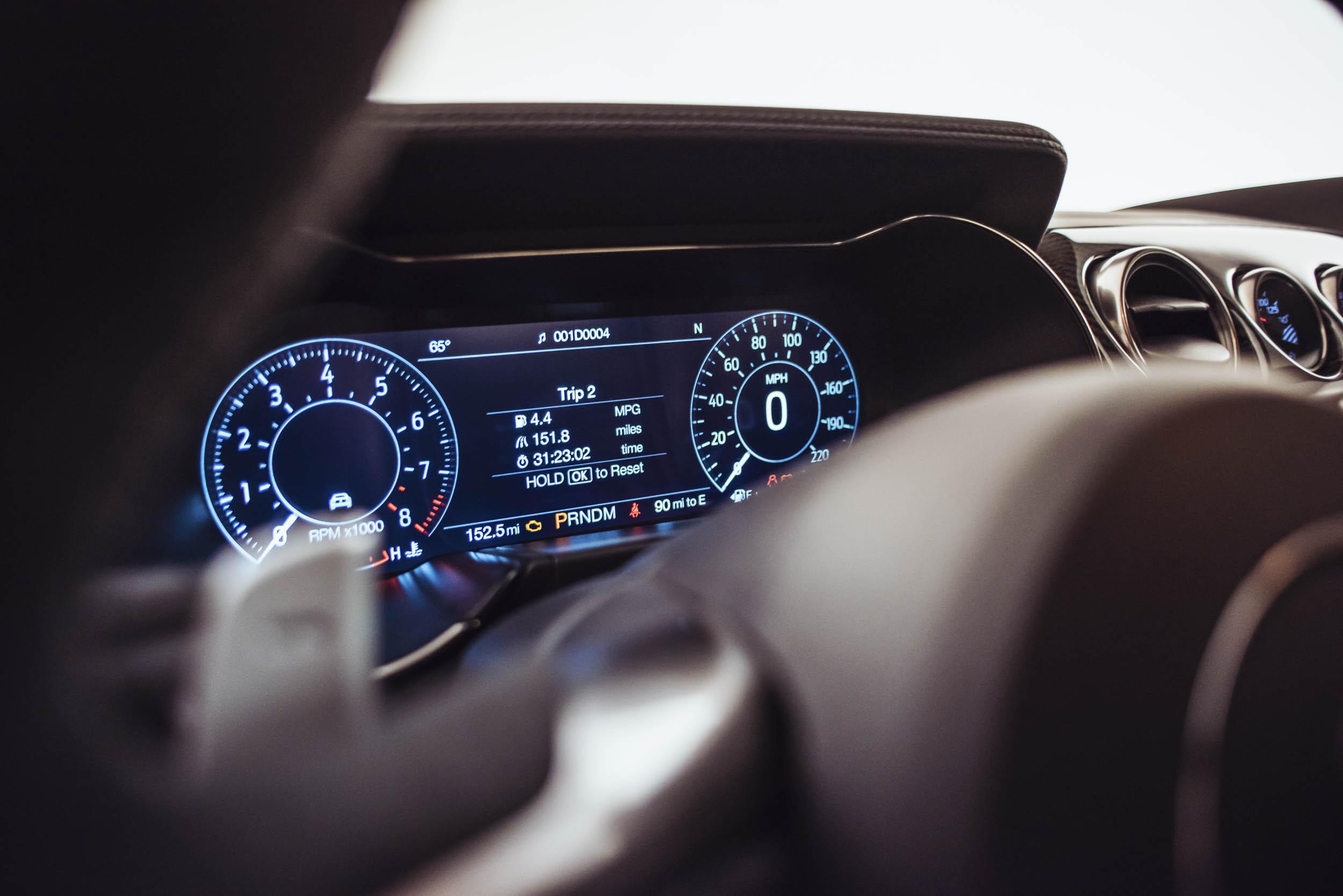 2020 Shelby GT500 gauge display