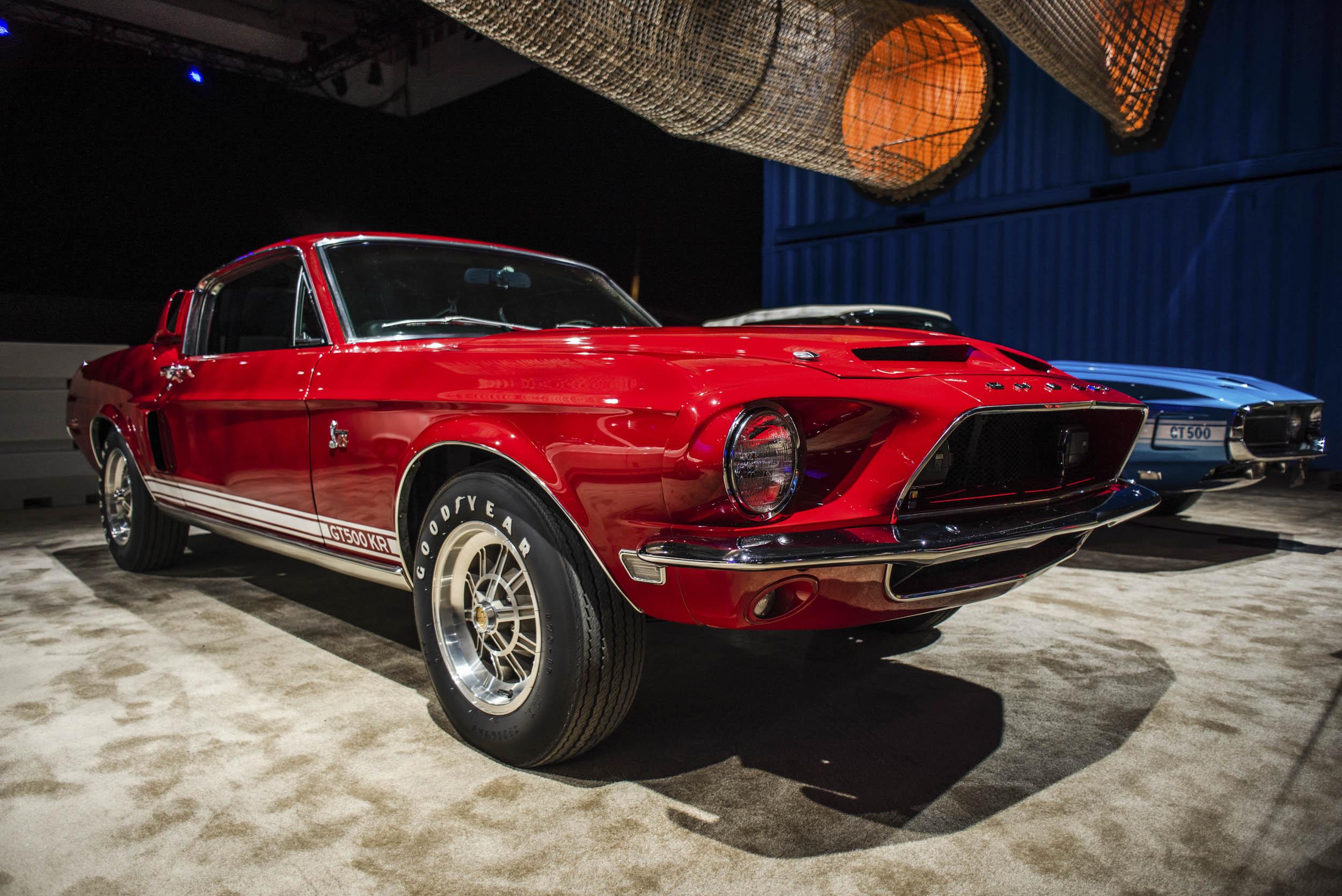 Red Vintage GT500