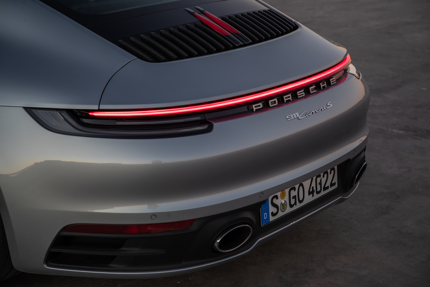 2020 Porsche 911 Carrera S bumper detail rear