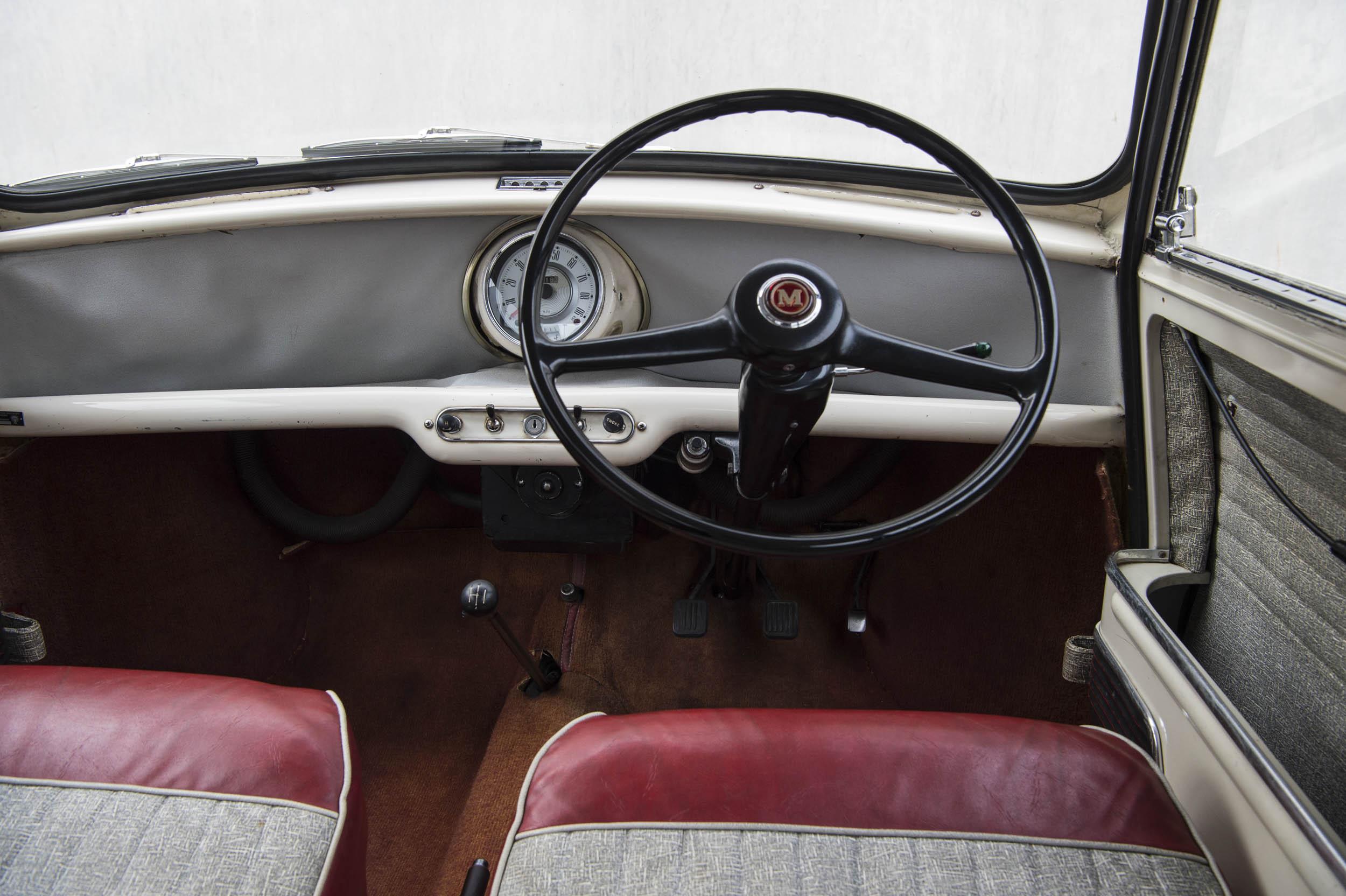 1959 Morris Mini-Minor interior
