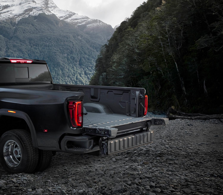 2020 GMC Sierra 2500HD folding tailgate 1