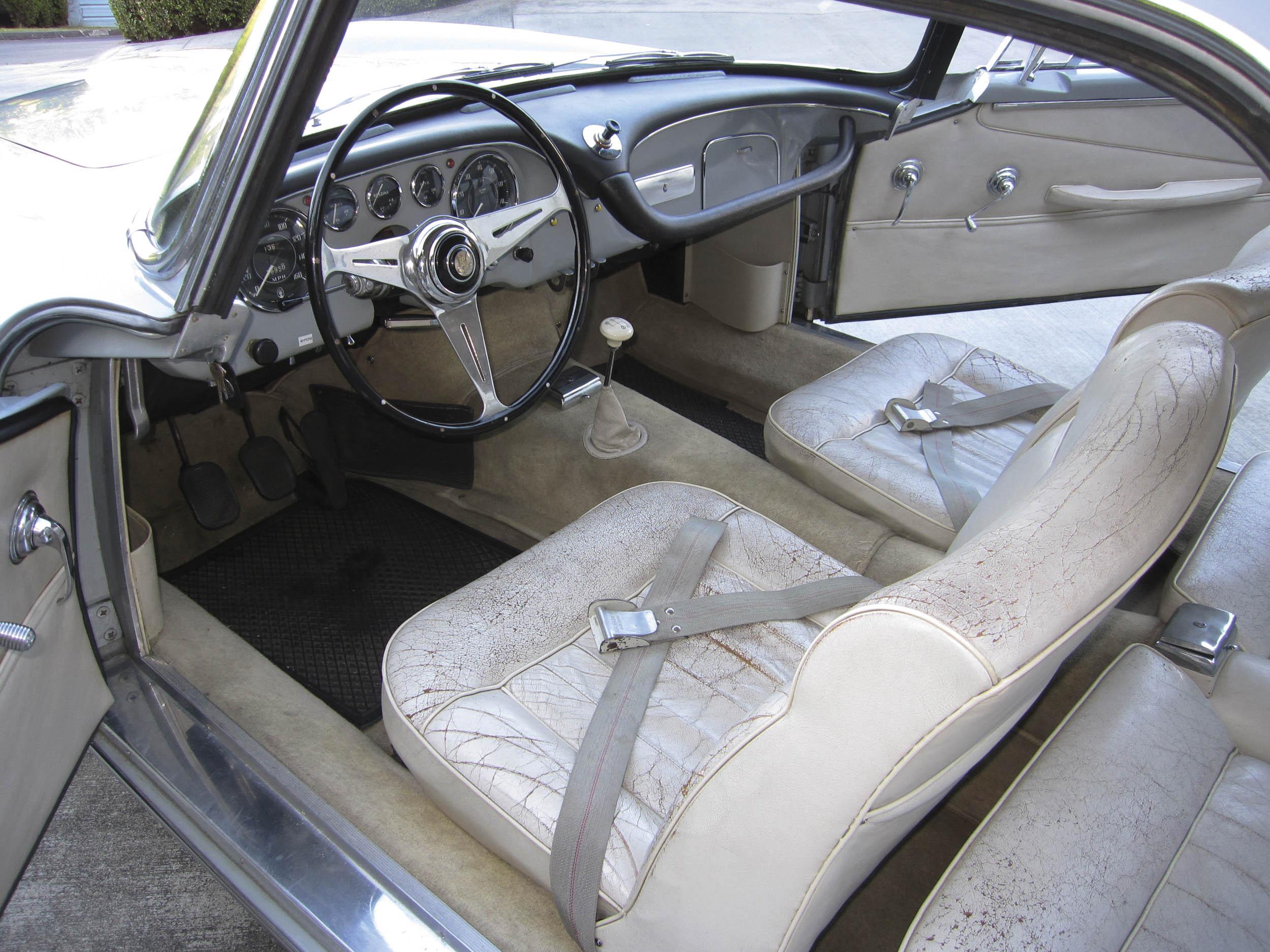 1959 Maserati 3500GT interior