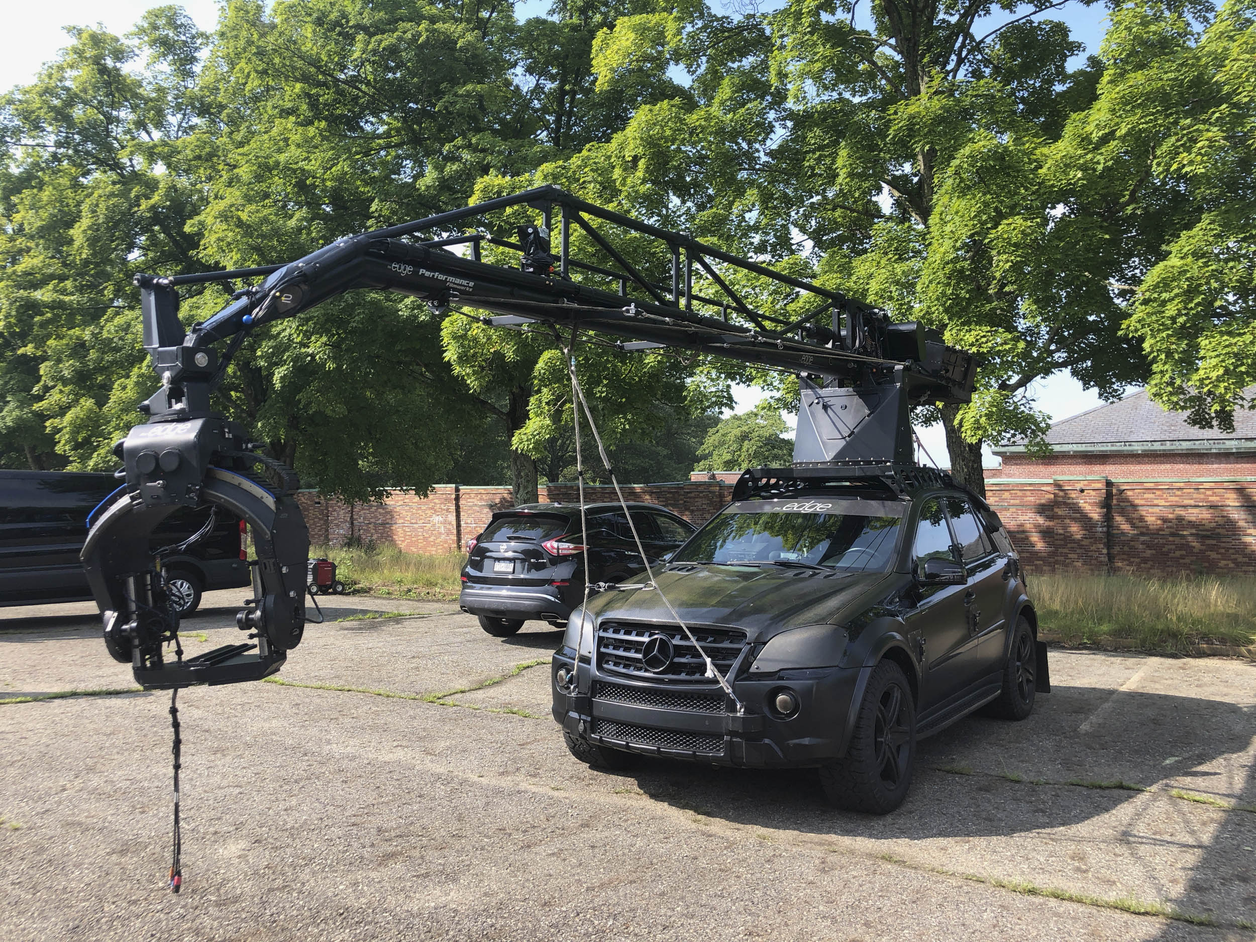 Mercedes ML camera car with automatic boom.