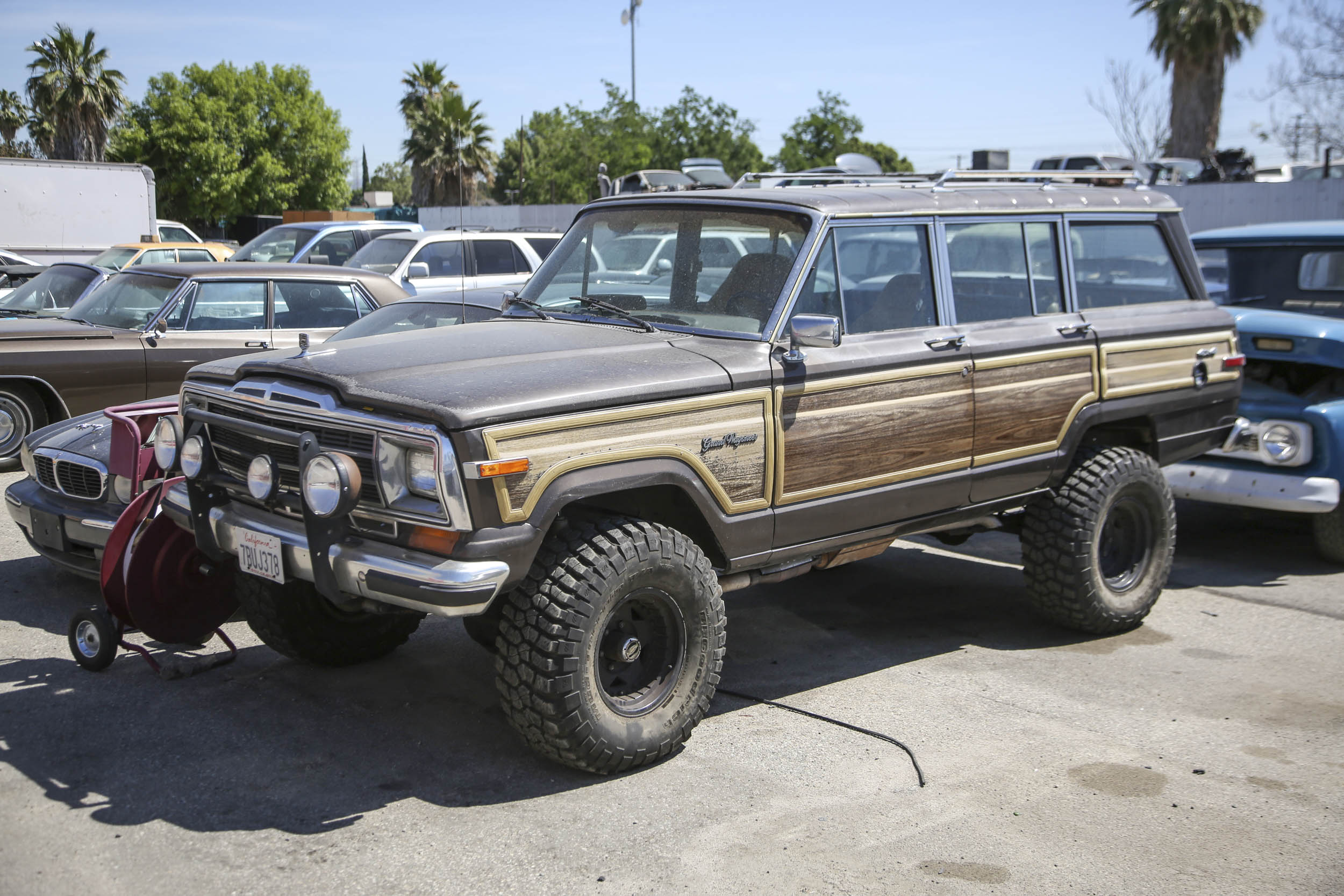 Picture Car Warehouse Jeep Grand Wagoneer