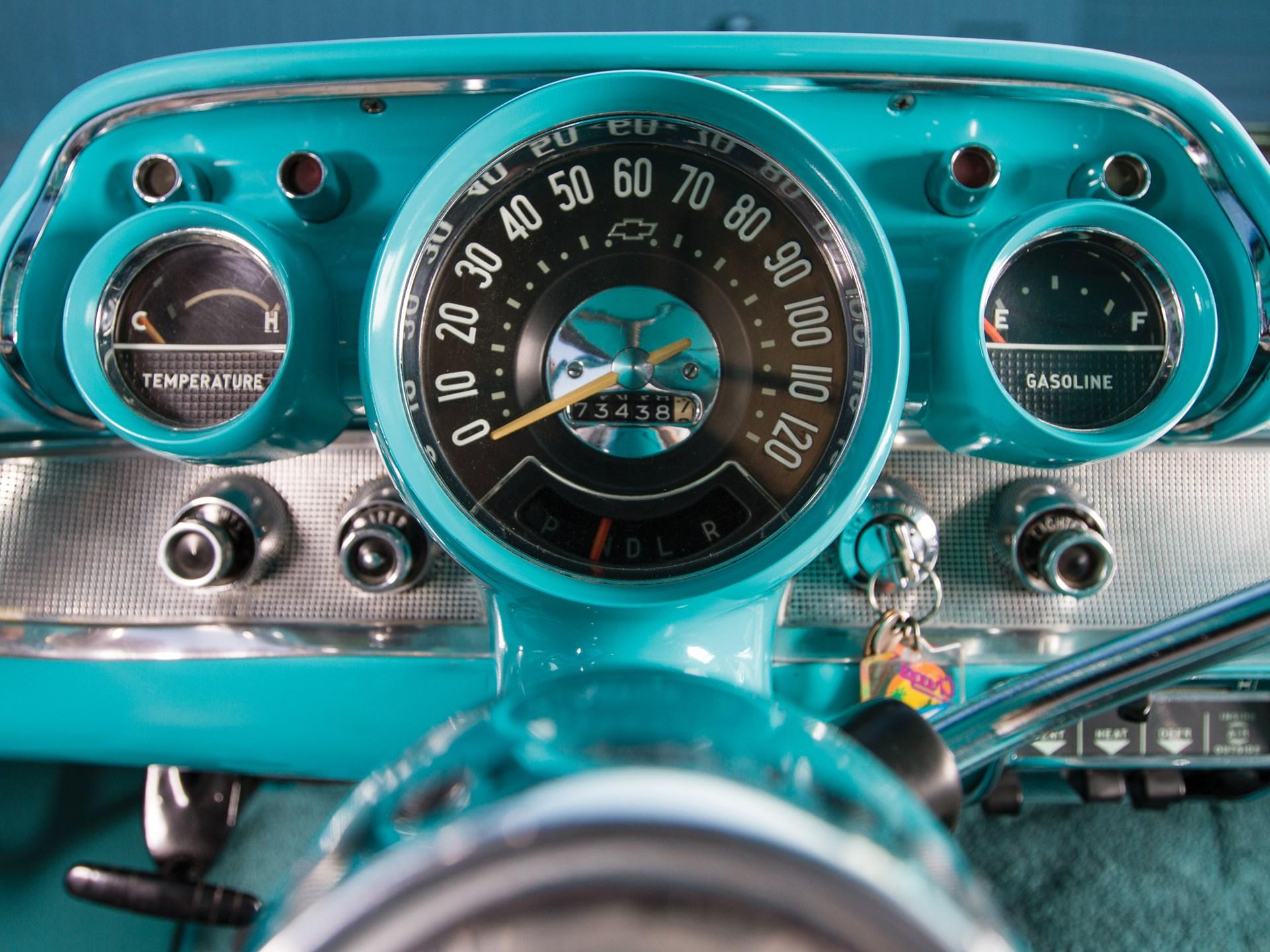 1957 Chevrolet Bel Air Nomad gauges