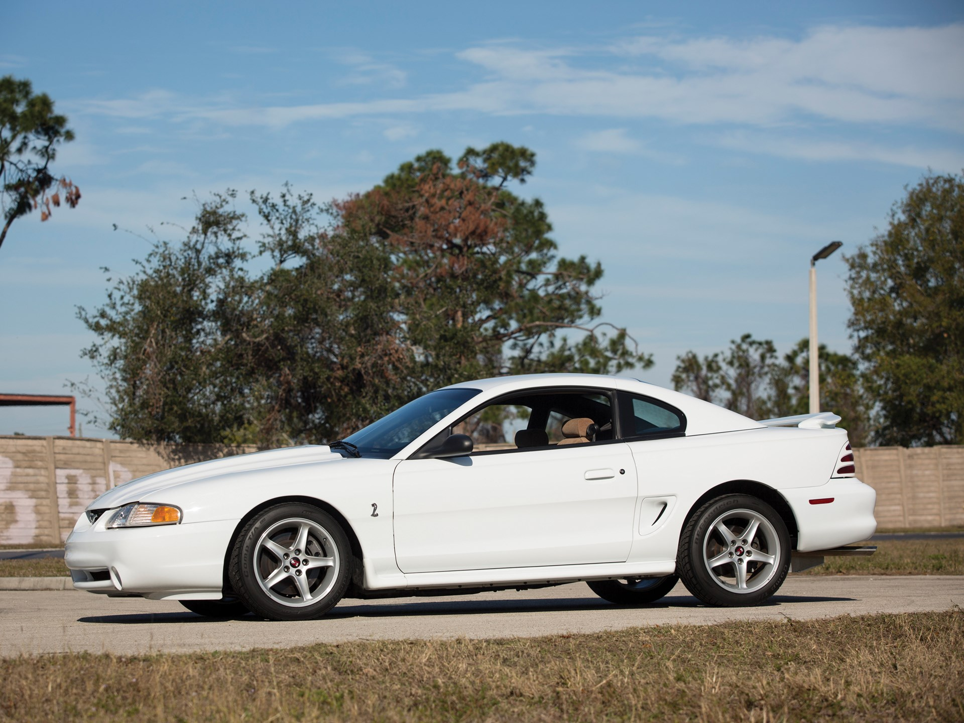 1995 Ford Mustang SVT Cobra R side profile