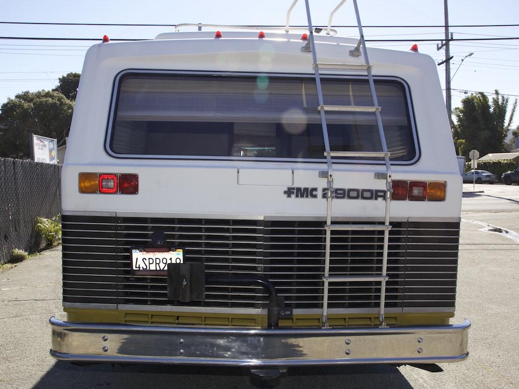 1973 FMC 2900 R rear