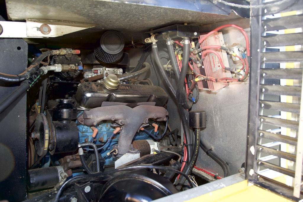 1973 FMC 2900 R engine