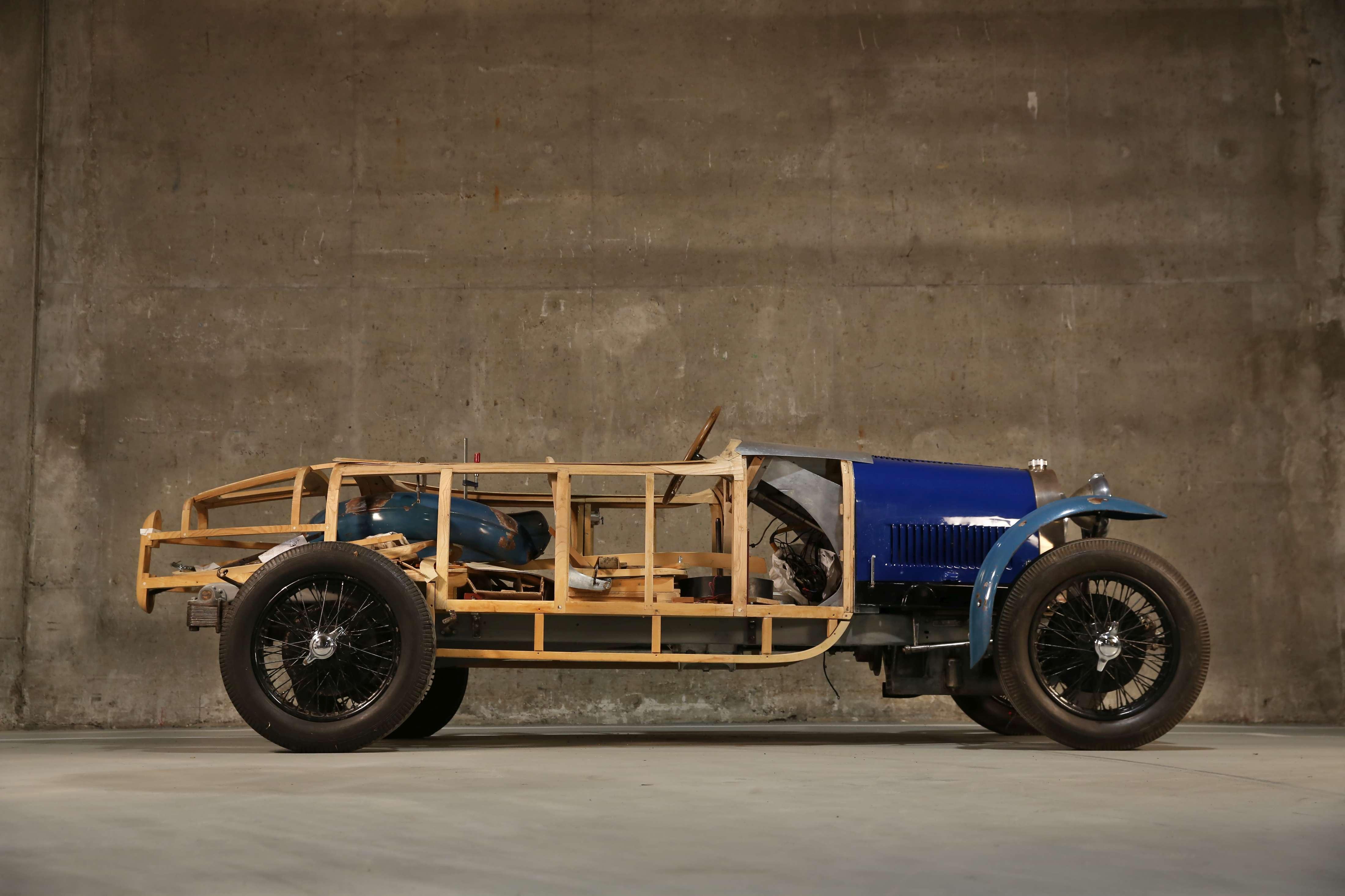 1929 Bugatti Type 40 side profile