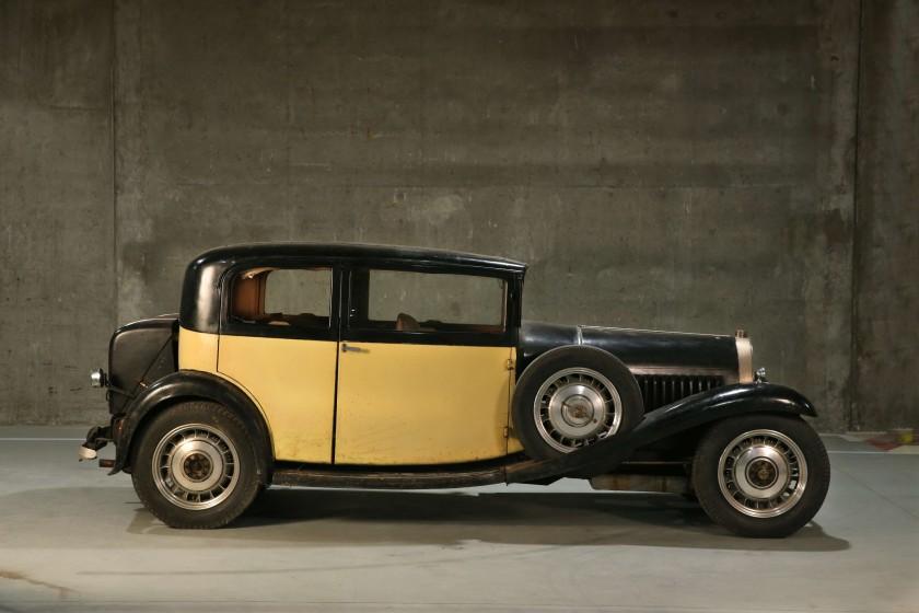 1932 Bugatti Type 49 Berline 2/4 portes Vanvooren side profile