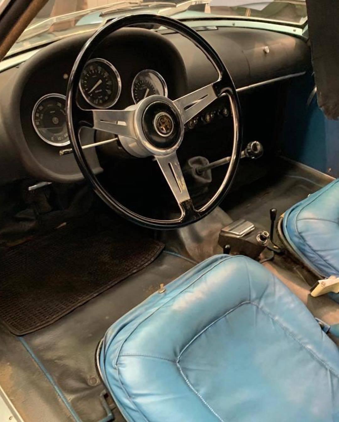 1962 Alfa Romeo Giulietta SZ underground interior