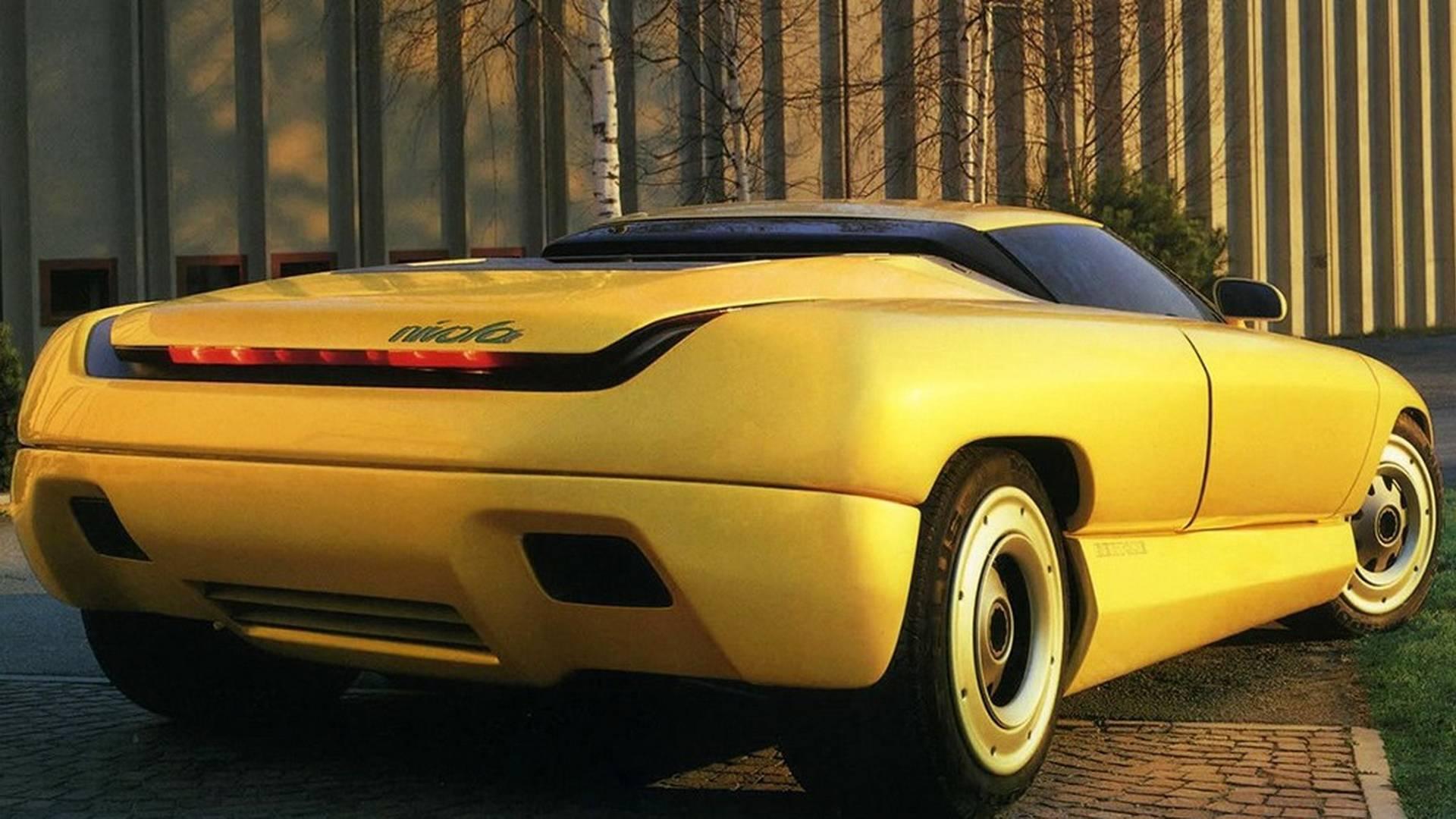 1990 Bertone Nivola concept 3/4 rear passenger