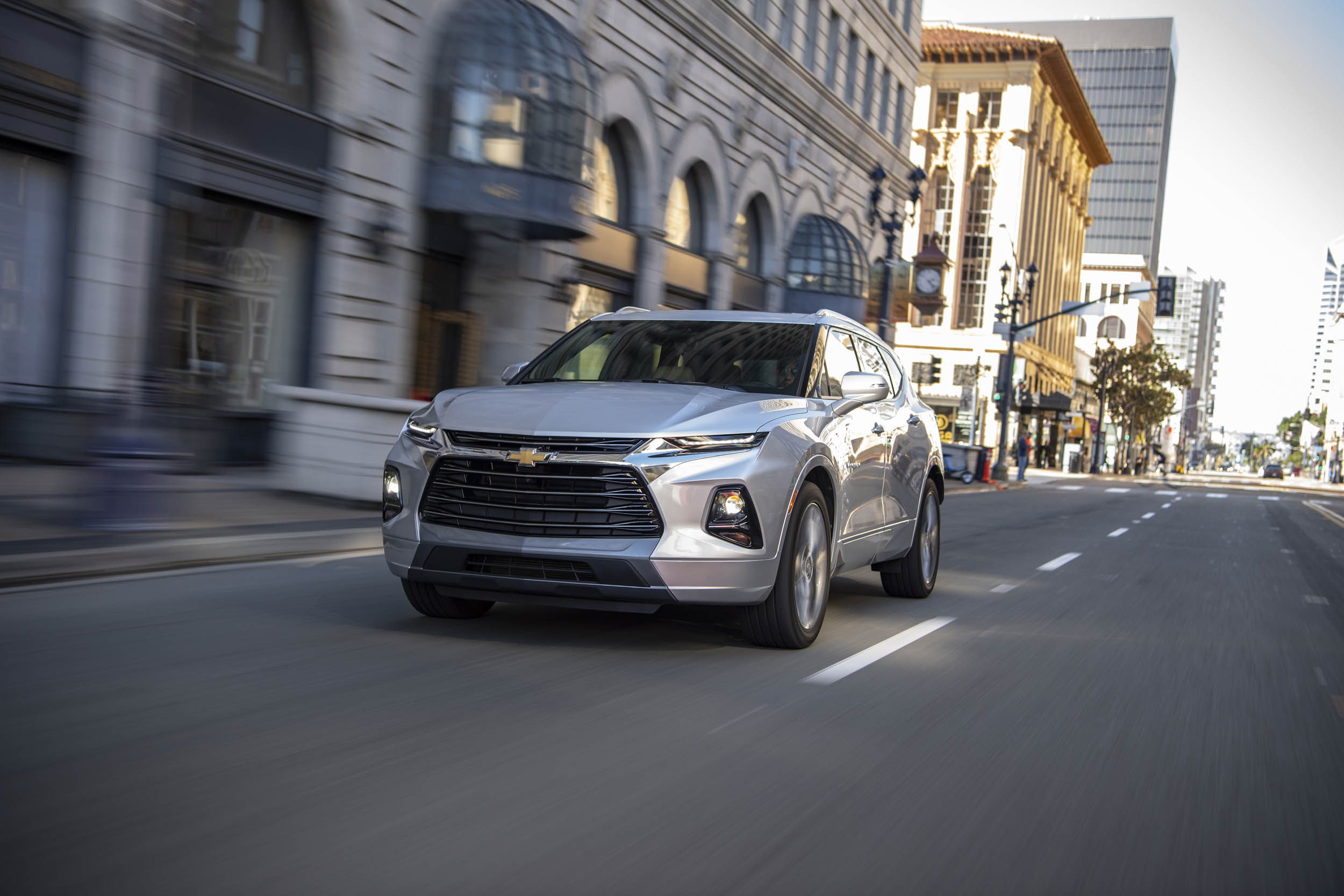 2019 Chevrolet Blazer front 3/4 driving