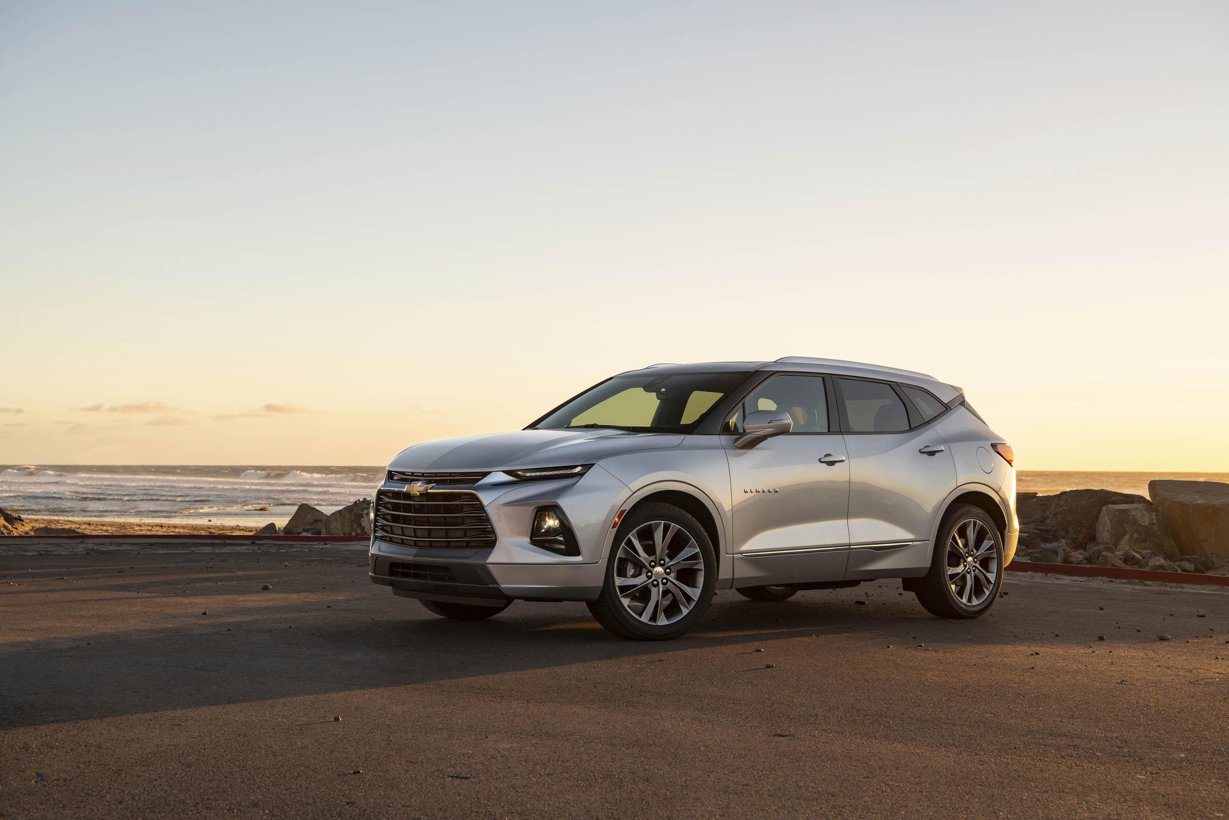 silver 2019 Chevrolet Blazer profile