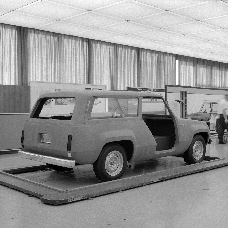1967 Chevrolet Blazer concept design rear 3/4