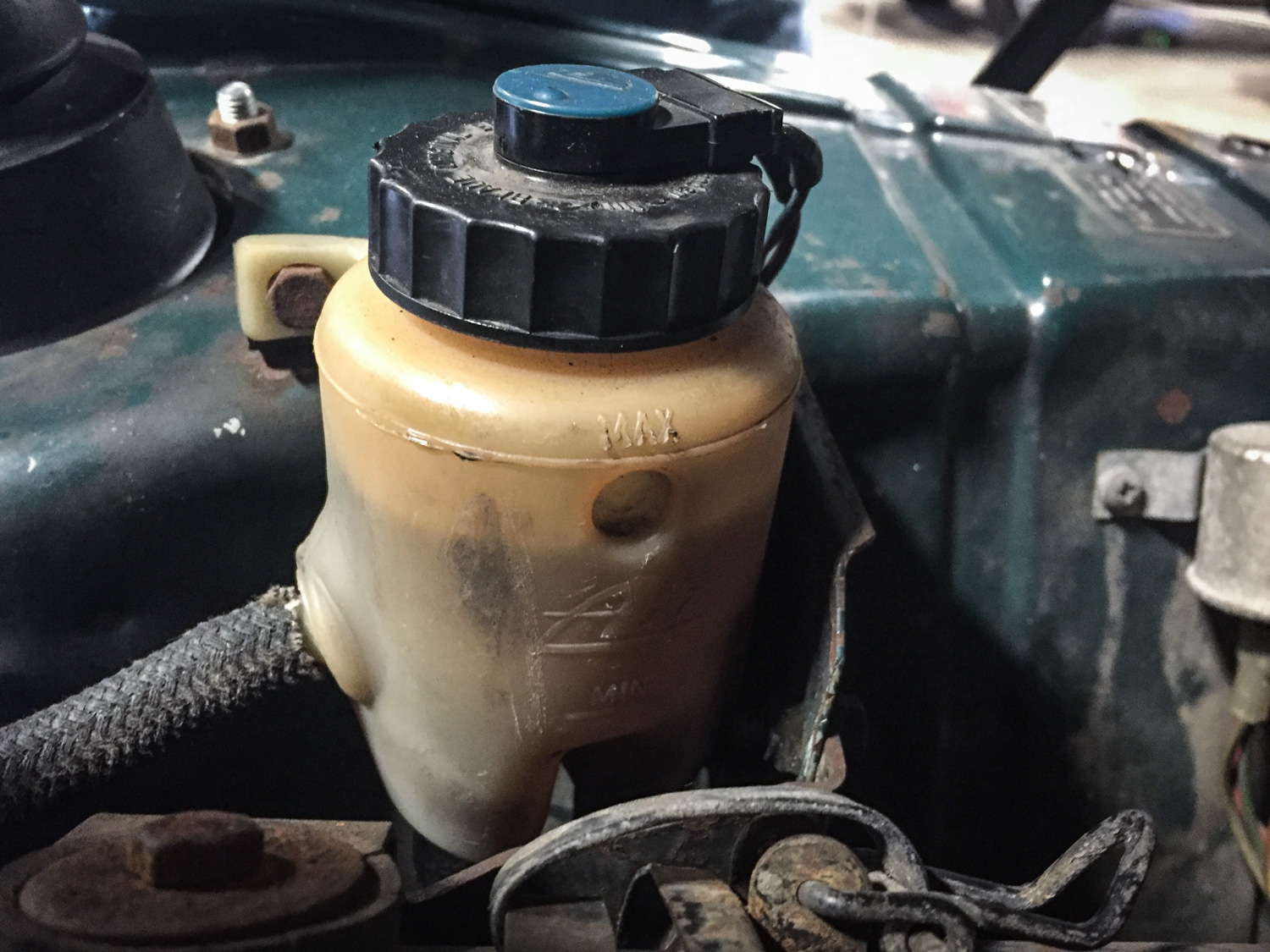The photo I was sent of the fluid reservoir showed the fluid clearly above the level of the clutch hose on the left, indicating that the clutch hydraulics weren't out of fluid.