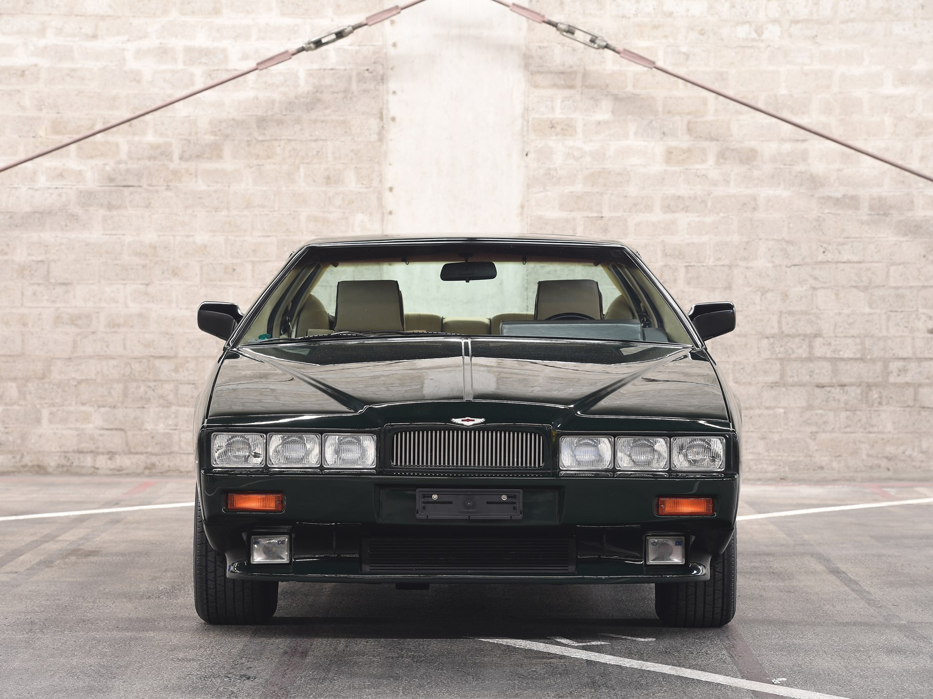 1989 Aston Martin Lagonda Series 4 front end