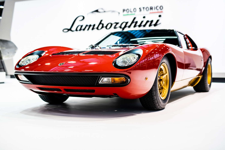 1972 Lamborghini Miura SV 3/4 low retromobile