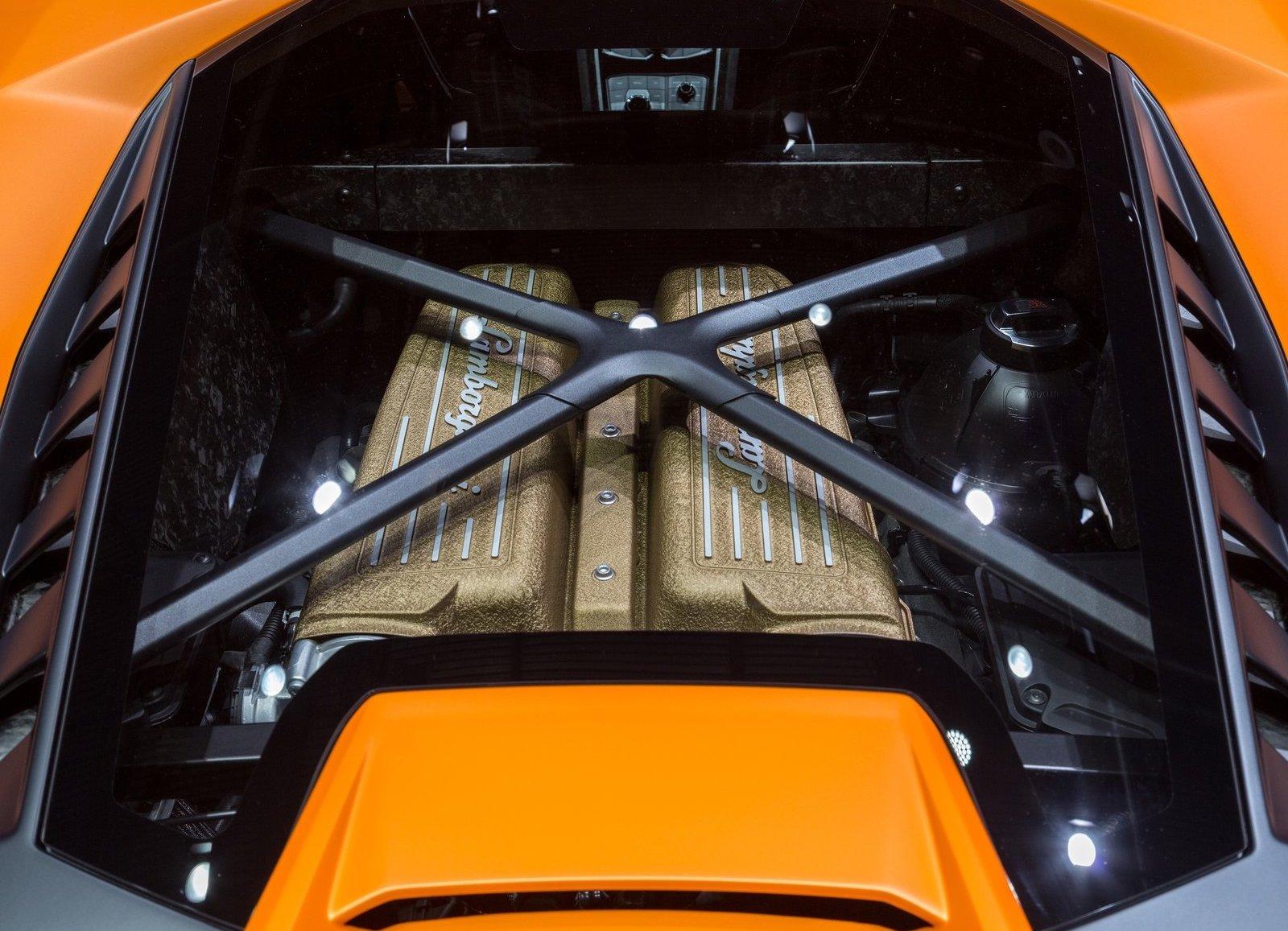 2018 Lamborghini Huracán Performante V-10 engine
