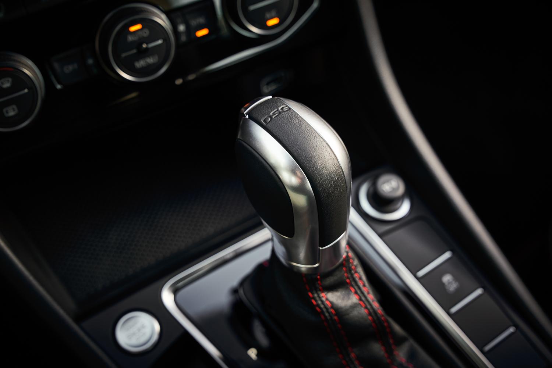 2019 Volkswagen Jetta GLI shifter